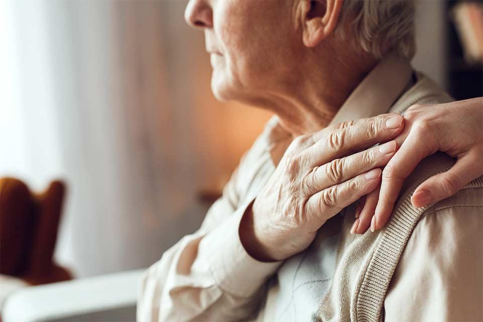 Kényes téma: Mit tehet egy idős ember, ha már nem tudja kellő tisztánlátással intézni a saját ügyeit