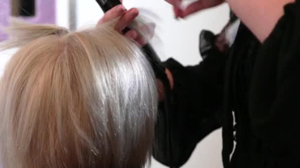 Az ősz haj az egészségi állapotunkról is árulkodhat